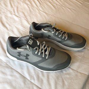 Under Armour running shoe - grey - (12)